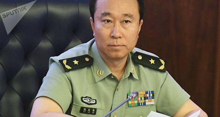 Kui Yanwei, agregado militar de la embajada de China en Moscú, en la rueda de prensa dedicada a las maniobras militares Vostok 2018