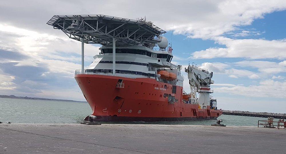 Buque noruego Seabed Constructor en el puerto de Comodoro Rivadavia en Argentina
