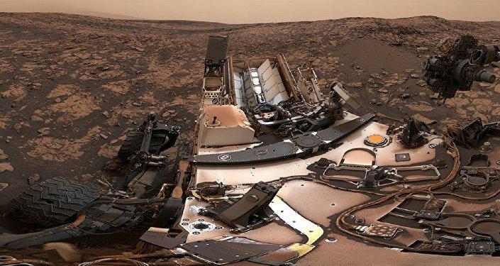Una imagen en 360 grados del paisaje marciano registrado por Curiosity