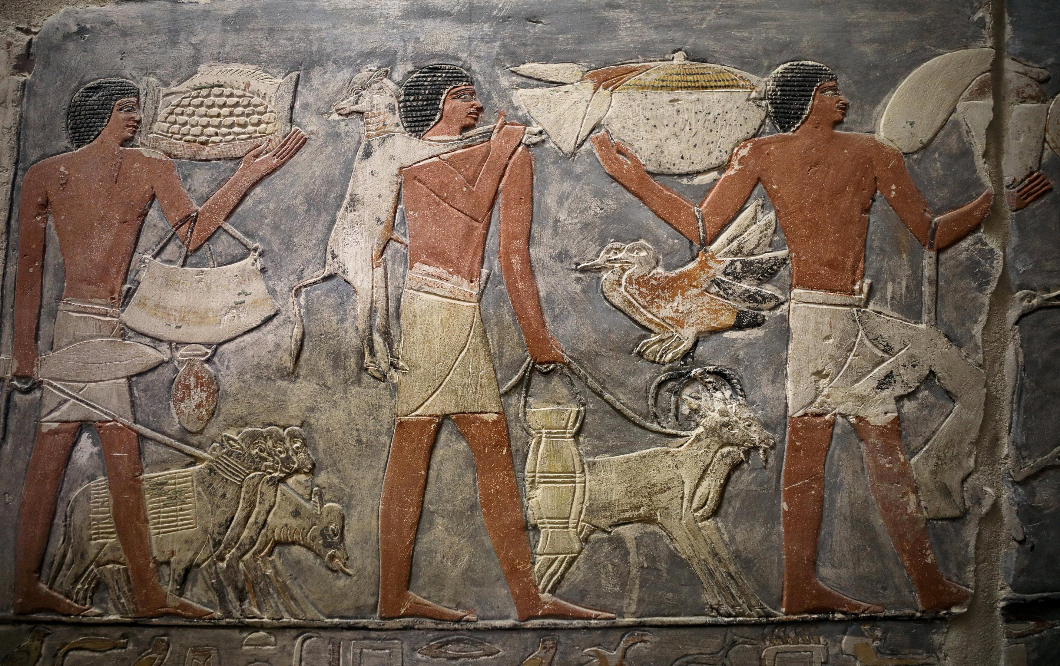 Uno de los frescos que adornan los muros de la tumba de Mehu