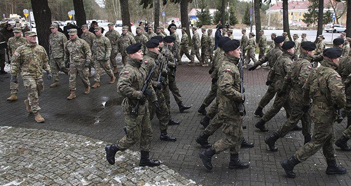 La ceremonia de bienvenida oficial para el convoy de las tropas estadounidenses en Zagan, Polonia