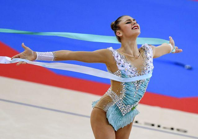 La gimnasta rusa Alexandra Soldátova
