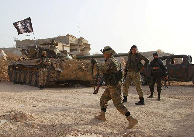 Militantes del grupo terrorista Frente Al Nusra en Siria (archivo)