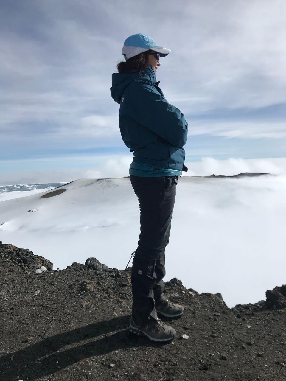 Joloud Fadhli durante la escalada del Kilimanjaro