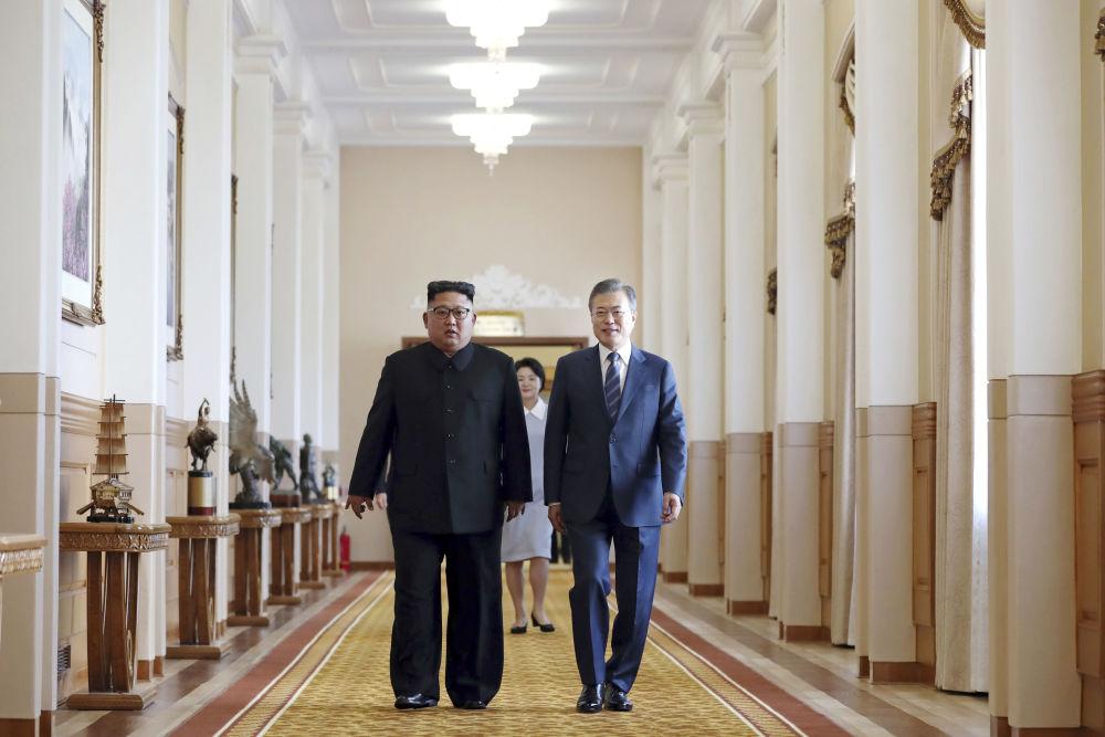 Teatro, banquete y acuerdo histórico: así fue recibido en Pyongyang el líder surcoreano