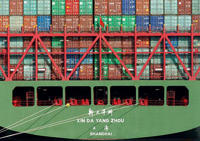 Contenedores en un puerto chino (imagen referencial)