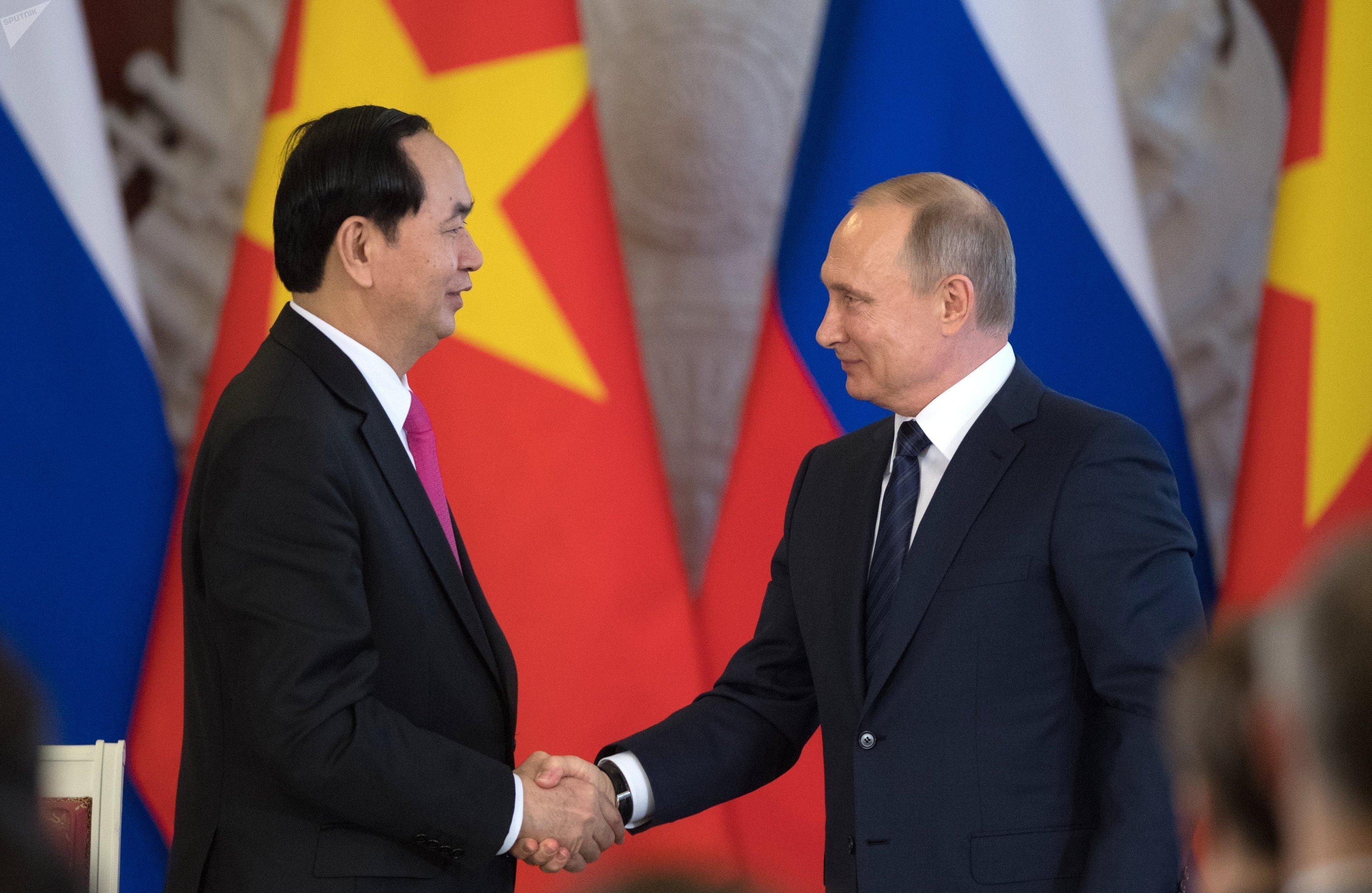 El presidente de Vietnam, Tran Dai Quang y el presidente de Rusia, Vladímir Putin