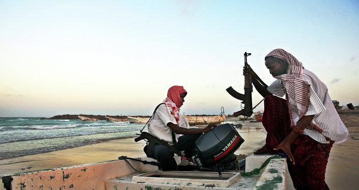 Piratas africanos (archivo)