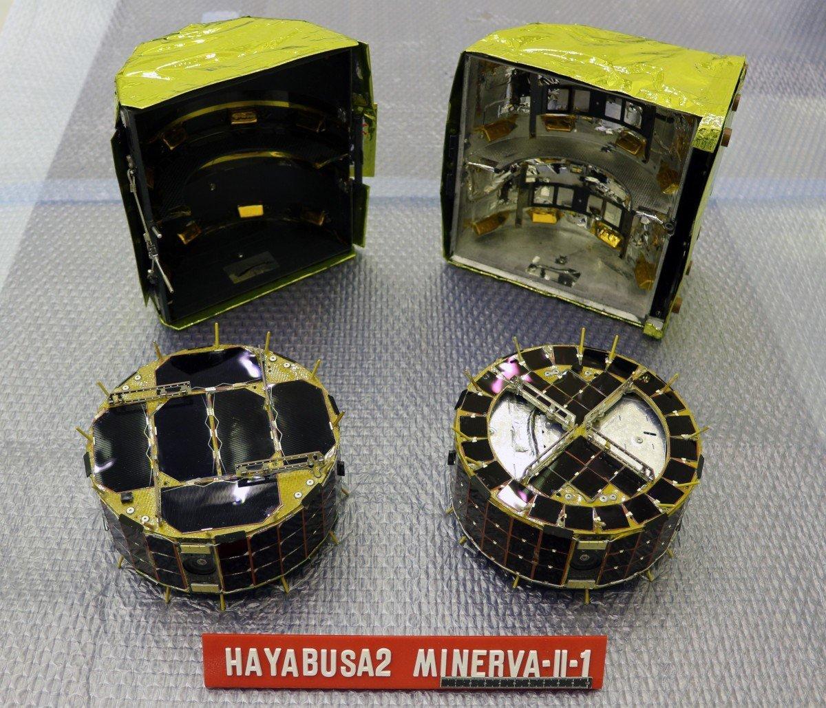 Los robots japoneses Rover-1A y Rover-1B, los primeros en pisar un asteroide
