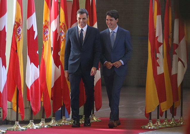 El presidente del Gobierno español, Pedro Sánchez, y el primer ministro de Canadá, Justin Trudeau