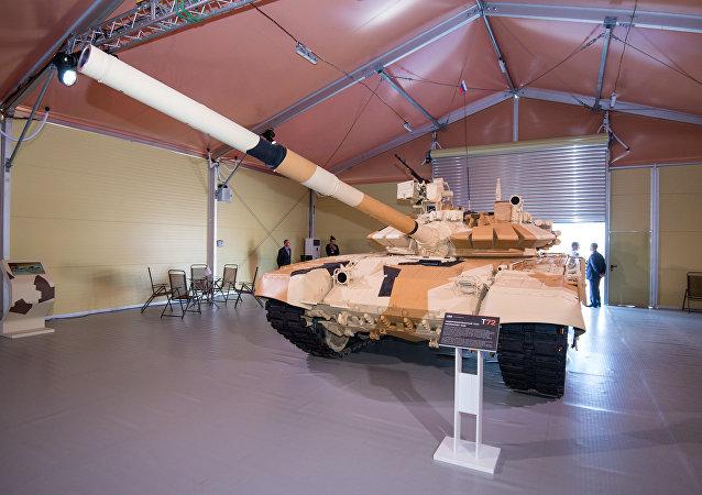Un tanque T-72 ruso en la exposición ADEX (archivo)