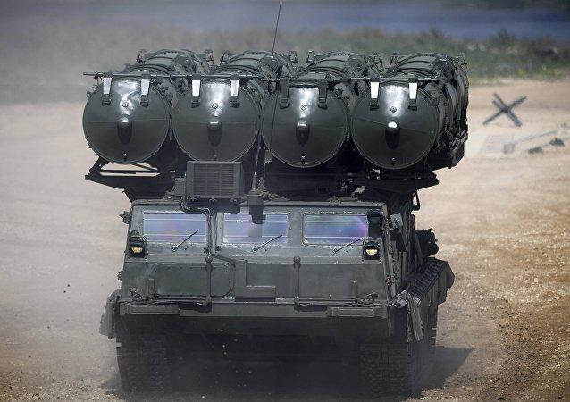 Sistema antiaéreo de largo alcance S-300V4