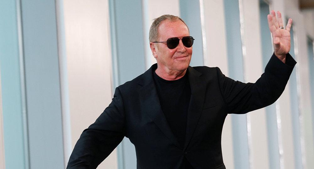 Michael Kors compra la firma Versace por 2.120 millones de dólares ... 9c8197c881