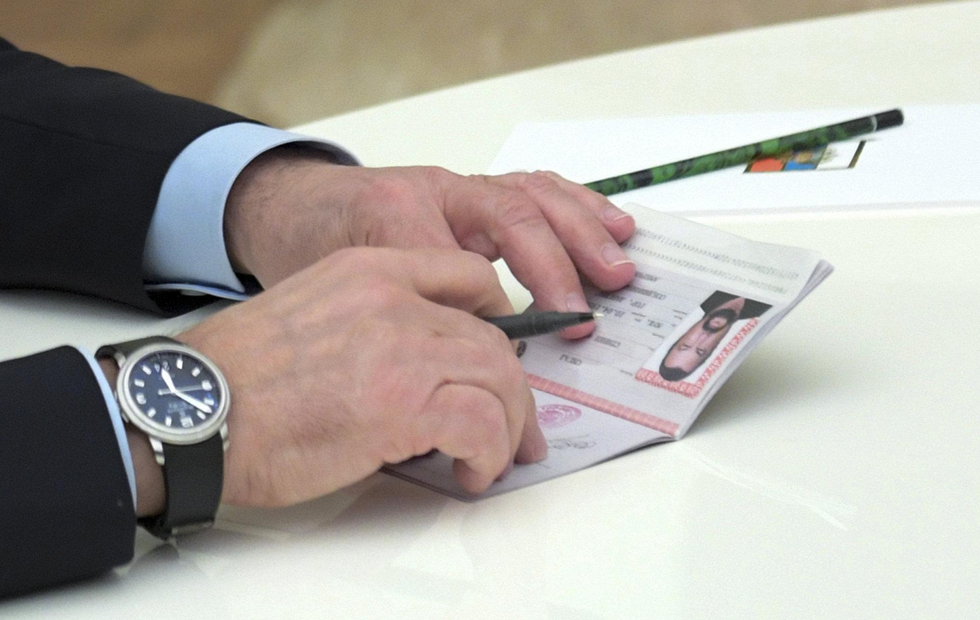 EL pasaporte ruso de Steven Seagal, actor estadounidense