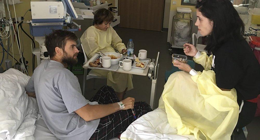 Piotr Verzílov, el activista ruso de arte político, en un hospital en Alemania