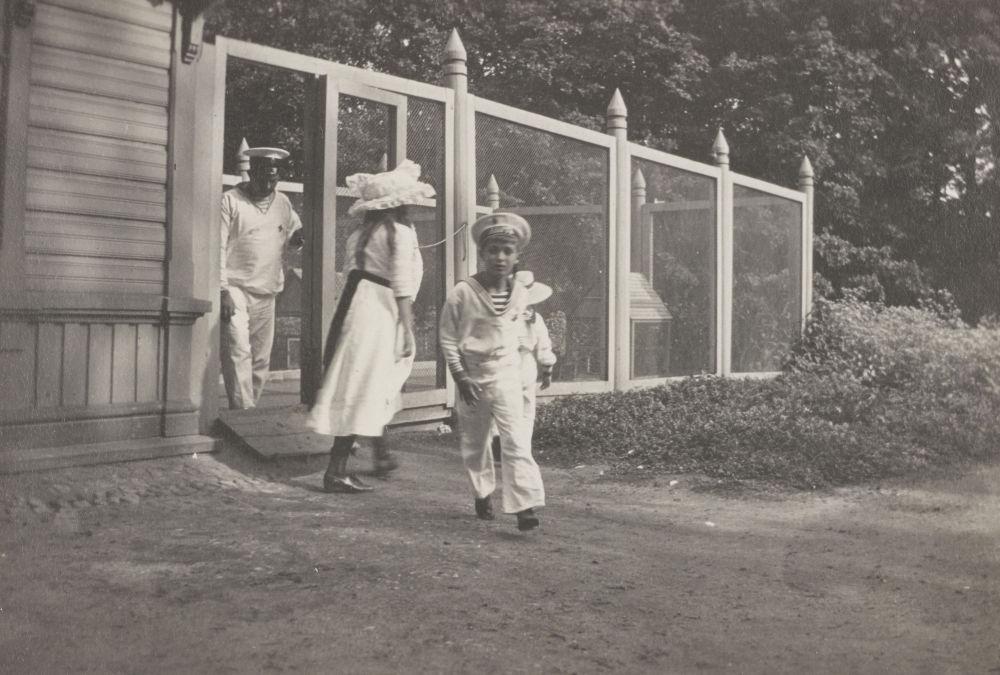 Presentan en Londres fotos únicas de la familia del último zar ruso