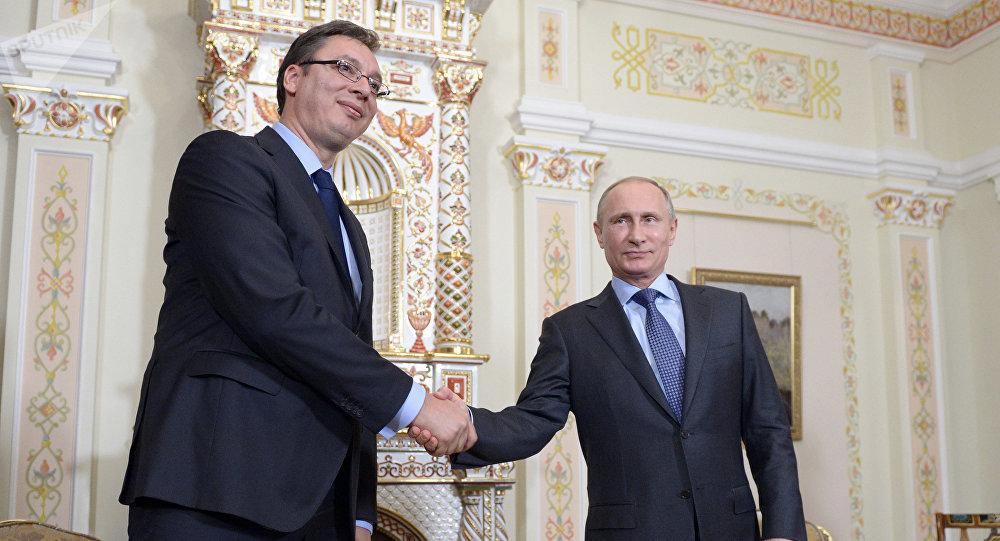 Presidente de Serbia, Aleksandar Vucic, y presidente de Rusia, Vladímir Putin