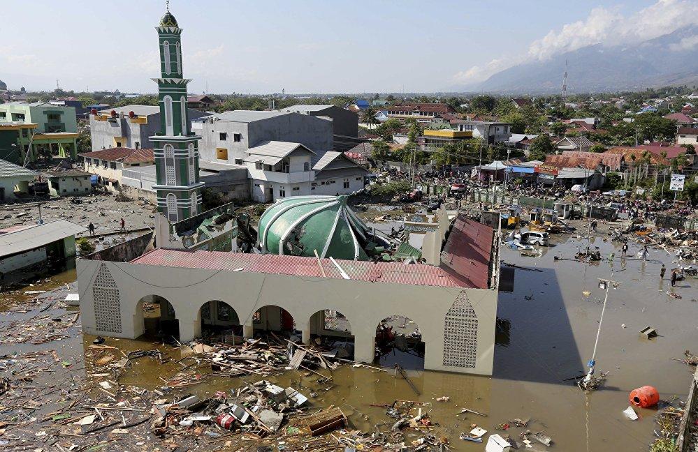 Un devastador tsunami y terremotos arrasan Indonesia