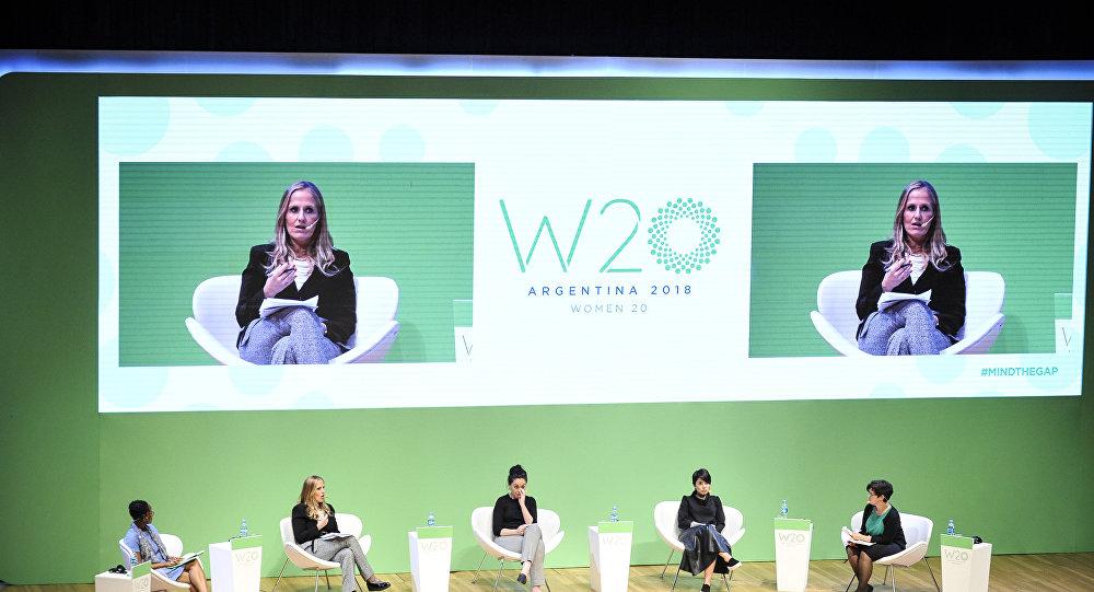 Un panel del W20 en Argentina