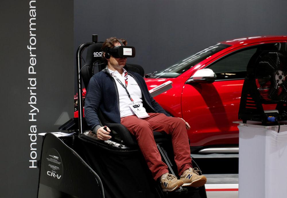 Coches no tripulados y carros de lego: las novedades del Salón del Automóvil de París
