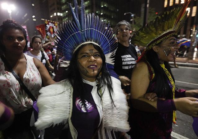Sonia Guajajara, aspirante indígena al Gobierno de Brasil