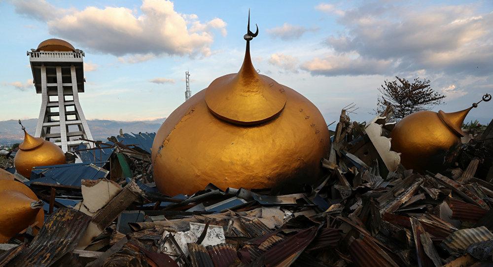 Tragedia natural en Indonesia deja 1.944 personas muertas — Último reporte