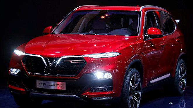 El automovil vietnamita VinFast Lux SA2.0 en el Salón del Automóvil de París de 2018