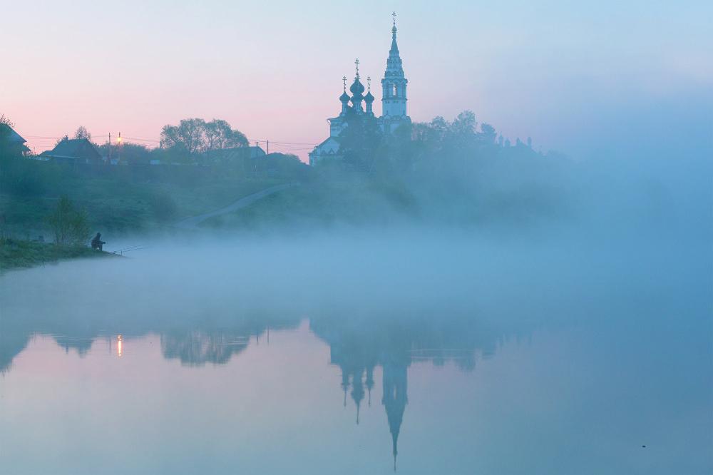 La imagen 'La luz de aurora', Alexander Maretski, fue tomada en el pueblo de Valischevo, situado en la región de Moscú.