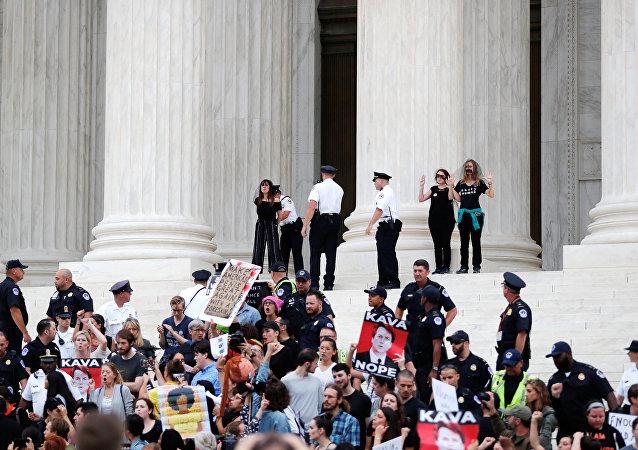Protesta contra el nombramiento de Kavanaugh en Washington