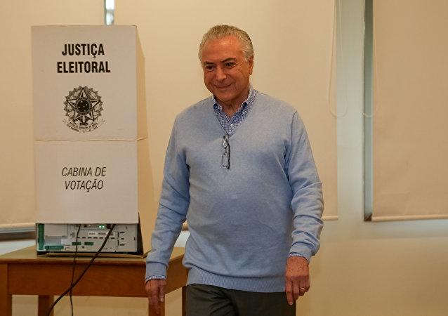 Michel Temer, actual presidente de Brasil, vota en Sao Paulo