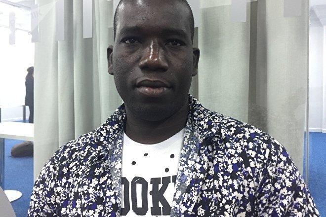 Abdoul, oriundo de la región senegalesa de Diourbel, llegó a la Argentina hace tres años