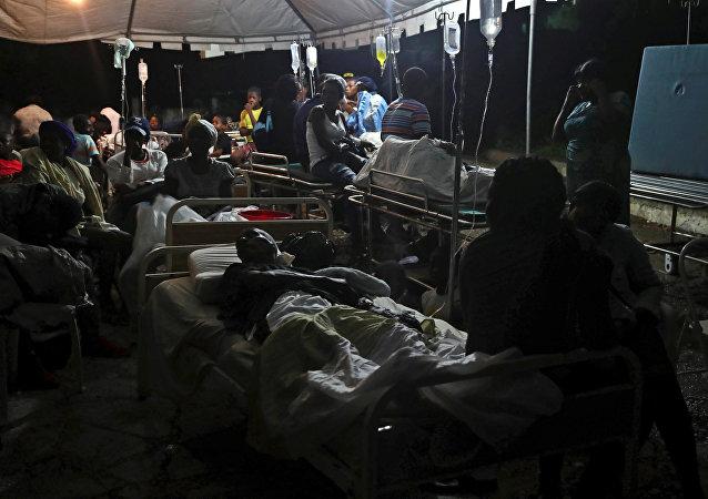 Personas heridas tras el terremoto en Haití