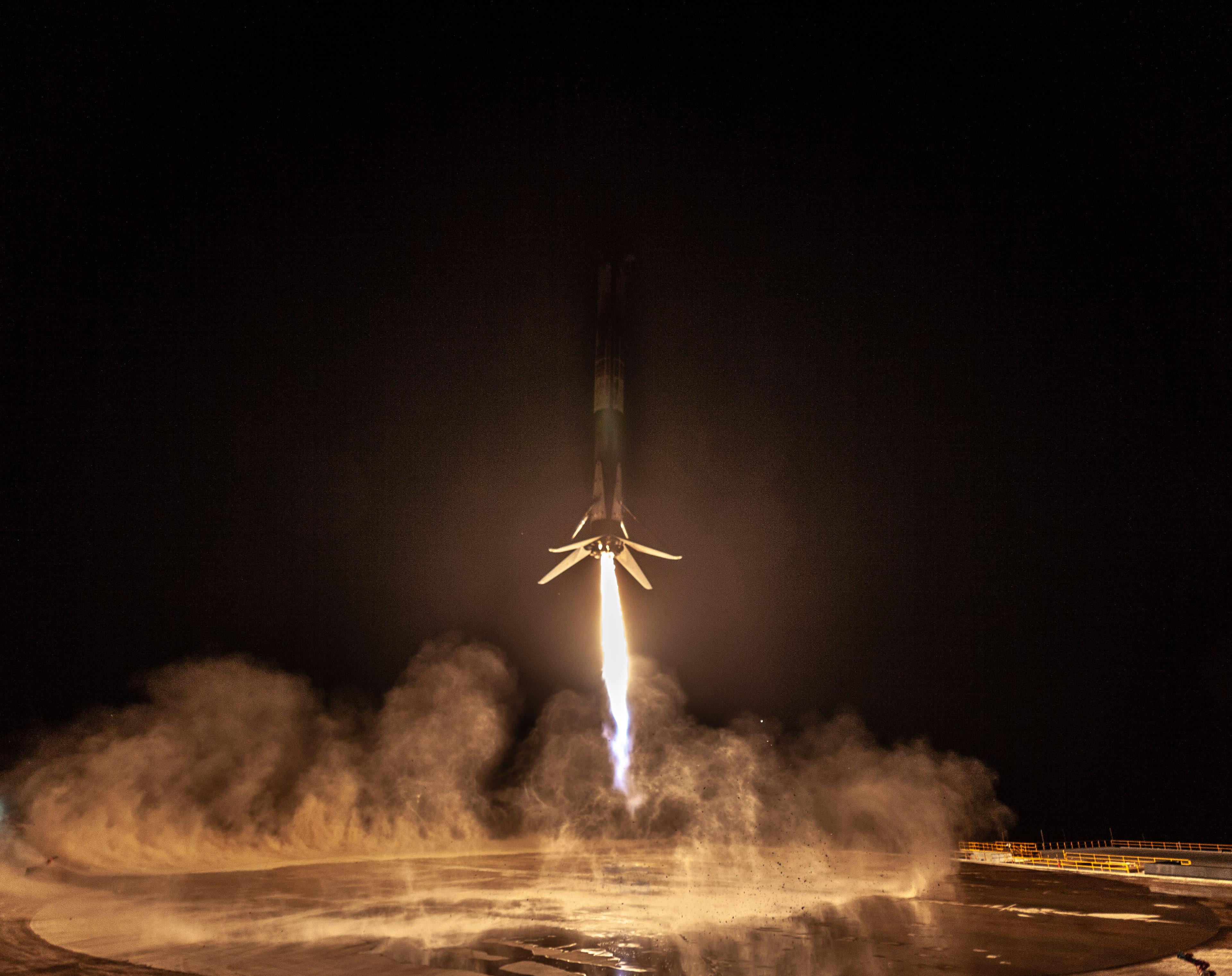 Lanzamiento del satélite argentino de observación Saocom 1A
