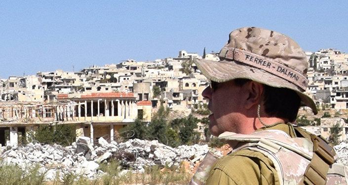 Yo pinto lo que veo, dice este conocido pintor español. En la imagen, Ferrer-Dalmau en Alepo (Siria)