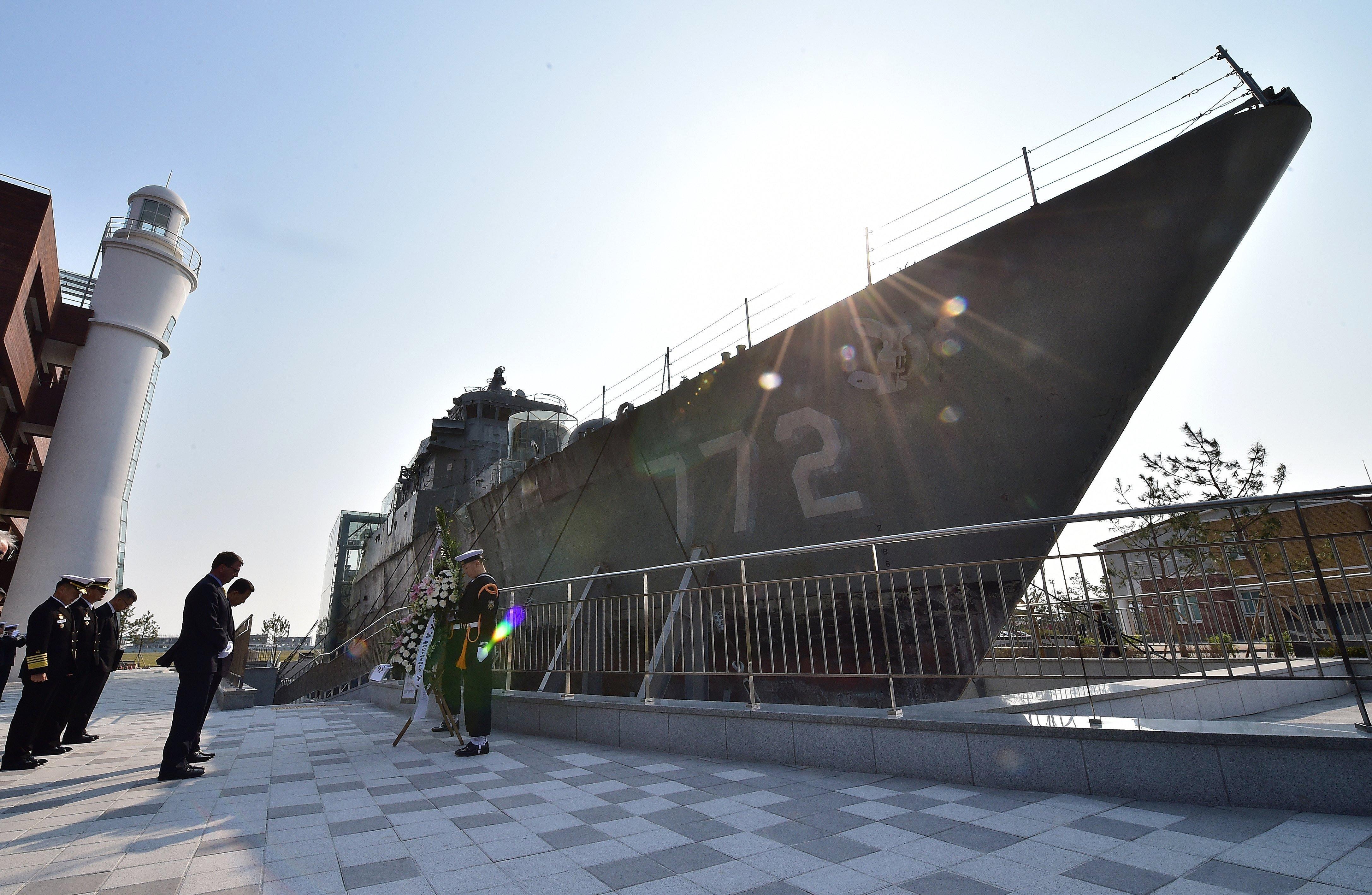 Homenaje a los fallecidos marineros de la corbeta Cheonan de la Armada surcoreana (archivo)
