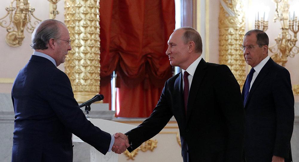 Nuevo embajador de España en Rusia, Fernando Valderrama Pareja, y presidente de Rusia, Vladímir Putin