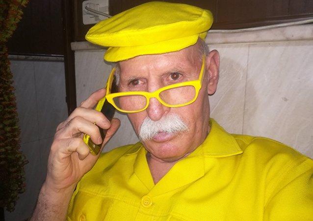 Abu Zakur, de Alepo (Siria), es conocido por el apodo de 'hombre amarillo'