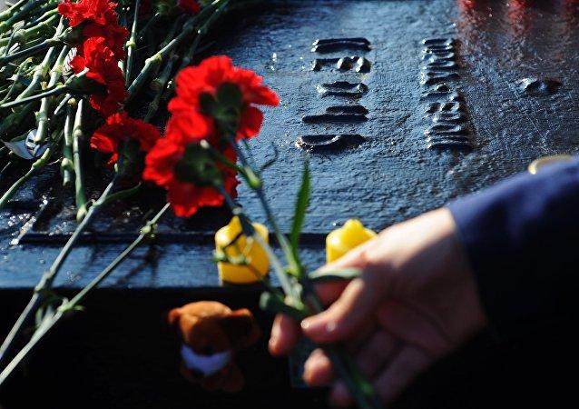 Homenaje a las víctimas de la masacre en Kerch