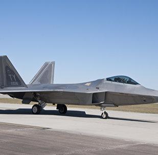 Un avión estadounidense F-22 Raptor