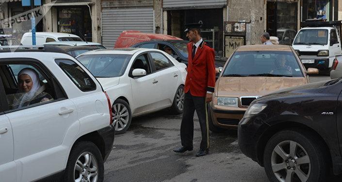 Tráfico en las calles de Alepo, después de la liberación de la ciudad