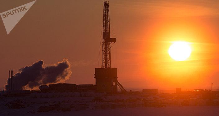 Torre petrolera de la compañía Rosneft (archivo)