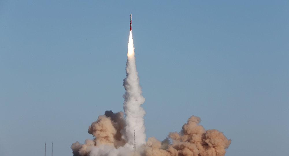 Lanzamiento comercial del cohete portador chino ZQ-1