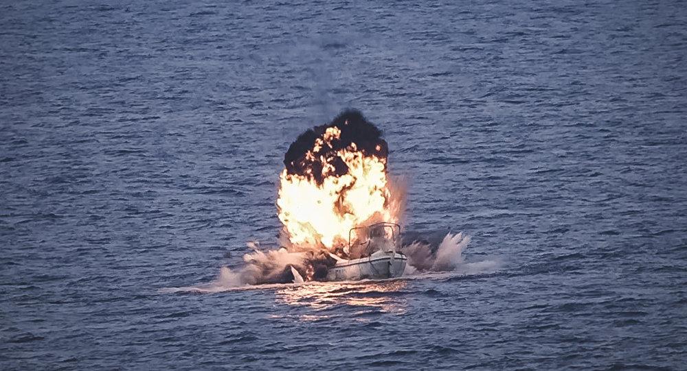 Momento de la neutralización de un barco pirata en las costas de Somalia