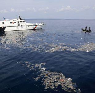 Operación de rescate tras el siniestro del Boeing 737 indonesio