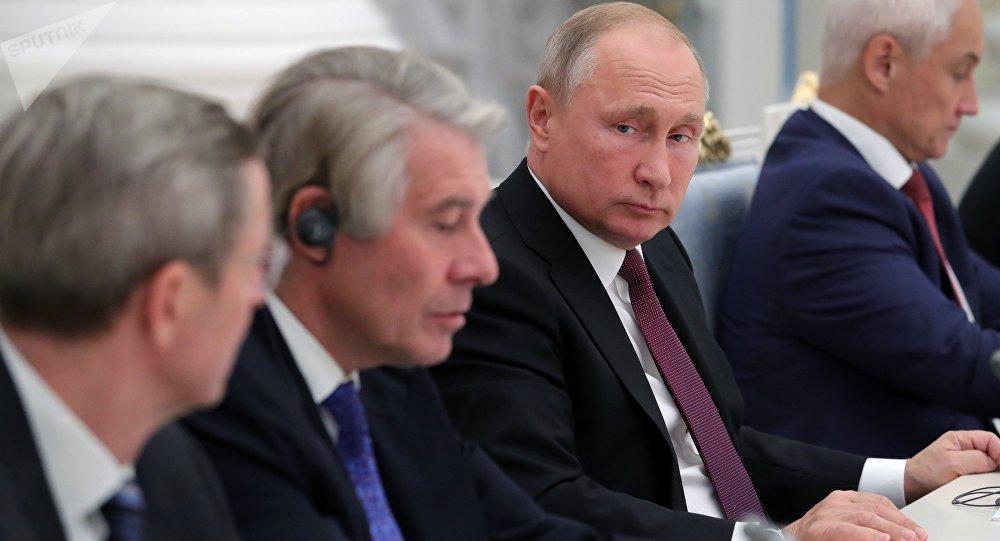 Los empresarios alemanes en un encuentro con el líder ruso, Vladímir Putin
