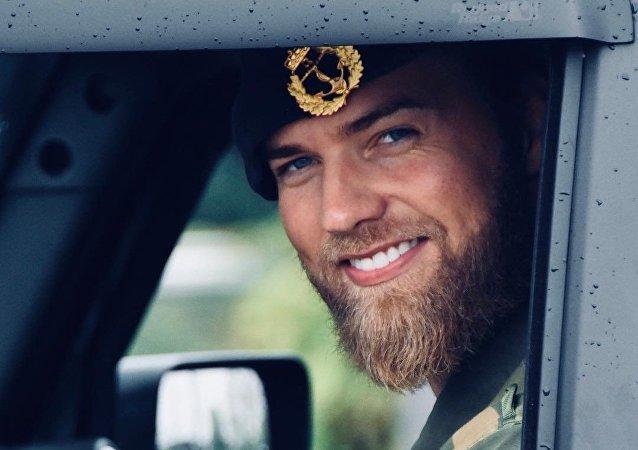 Lasse Lokken Matberg, teniente de la Armada Real de Noruega