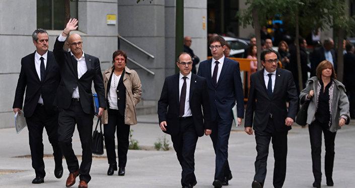 Los exconsejeros catalanes Joaquim Forn (Interior), Raül Romeva (Asuntos y Relaciones Institucionales y Exteriores y Transparencia), Dolors Bassa (Bienestar, Trabajo y Familia),  Jordi Turull (Presidencia), Carles Mundó (Justicia), Josep Rull (Territorio)