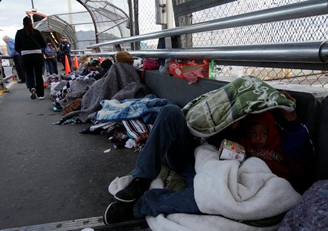Migrantes de América Central en la frontera con EEUU