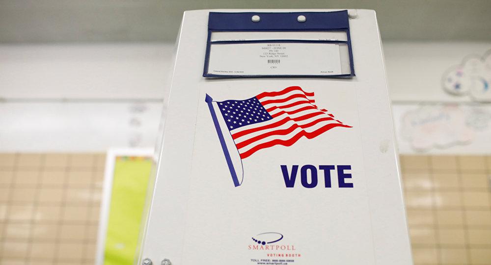 Una cabina de votación en EEUU