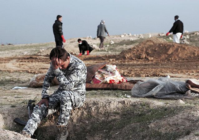 Una fosa común en Irak (archivo)